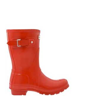 Hunter-short-red-boots