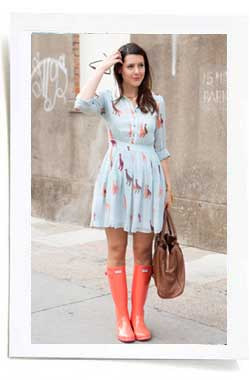 cute-summer-dress-with-hunter-boots