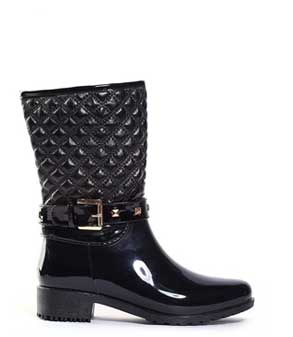 Quilted-short-black-rain-boots